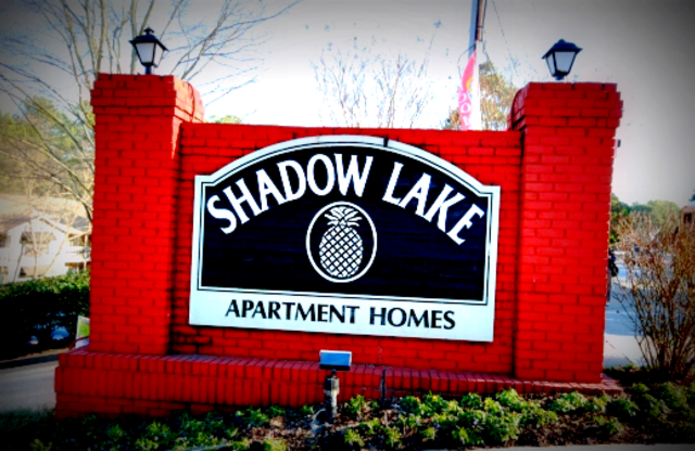 Shadow Lake Apartments Sign